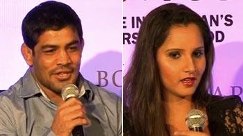 Video : Vijender, Sushil Kumar and Sania's sweet and Happy Diwali!