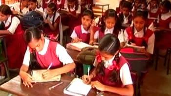 Video : Private school students join govt school
