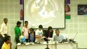 Video : Gujarati children talk to Sunita Williams in space