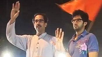 Video : Bal Thackeray better, says Shiv Sena; policemen keep vigil all night