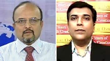 Video : Overweight on Bharti Airtel, Idea Cellular: expert