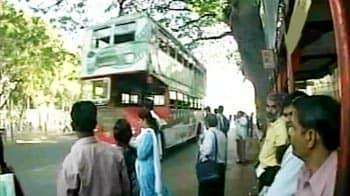 Video : Taxis, autos back on Mumbai roads; Sena denies calling bandh
