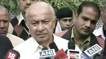 Video : Pakistan was informed about Kasab's hanging: Shinde