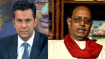 Video : Political war over 2G loss: Should the conflicting CAG figures be probed?