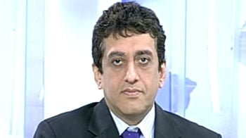 Video : Rupee to be in 54.50-58 range: Rajeev Mahrotri