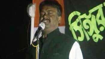 Video : Mamata Banerjee's minister dares judiciary on Singur