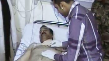 Videos : मेरठ में दारोगा को छात्रों ने गोली मारी