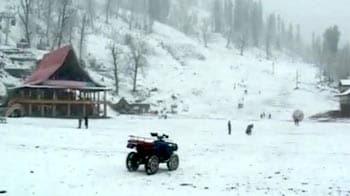 Videos : शिमला में बर्फबारी, दिल्ली में ठंड बढ़ी