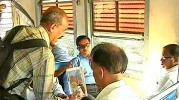 Video : Why this Professor begs on Mumbai trains