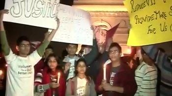 Video : Delhi gang-rape: victim fighting for life, on ventilator, say doctors