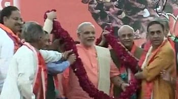 Video : The heroes today are my 6 cr Gujaratis, says Modi