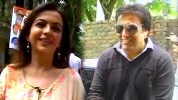 Video : Celebrities visit schools