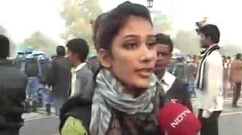 Video : Woman protester at India gate says she was 'eve-teased by drunk men'