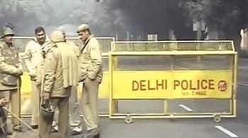 Video : इंडिया गेट पर धारा 144 लागू, नौ मेट्रो स्टेशन बंद