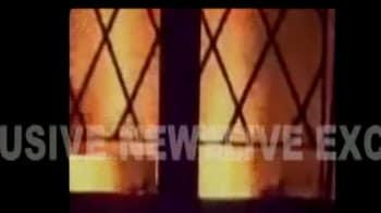 Video : मजदूरों ने चाय बागान मालिक के घर को फूंका, दो मरे