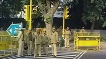 Video : इंडिया गेट पर कड़ा पहरा, 10 मेट्रो स्टेशन भी बंद