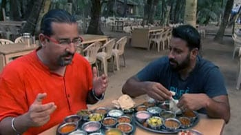 Video : Rocky, Mayur enjoy a relaxed meal in Shrivardhan
