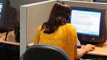 Video : At call centres, women want to leave early. Or just leave.