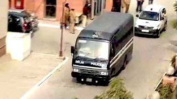 Video : 'Amanat' case: Drama in court over defending accused