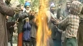 Videos : दिल्ली में सर्दी का सितम जारी