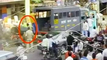 Video : हदें पार कर रहे हैं ACP ढोबले? जांच के आदेश