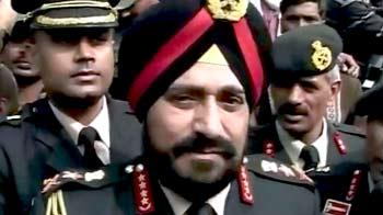 Video : शहीद हेमराज के परिवार से मिले सेनाप्रमुख