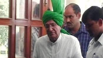 Videos : चौटाला और उनके बेटे को 10-10 साल की सजा