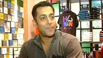 Video : Salman launches Being Human store in Mumbai