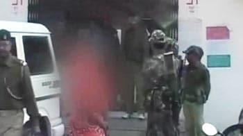 Videos : झारंखड : आदिवासी महिला से गैंगरेप, आरोपी फरार