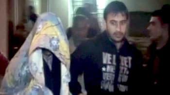 Videos : नोएडा : होटल में पति ने की पत्नी की हत्या