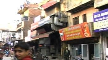 Video : शाहदरा में दुकानदारों पर लटकी तोड़-फोड़ की तलवार