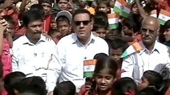 Video : Boman visits a Mumbai school