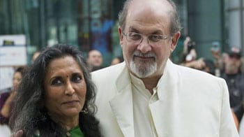 Video : Mamata Banerjee ordered police to block my arrival: Rushdie