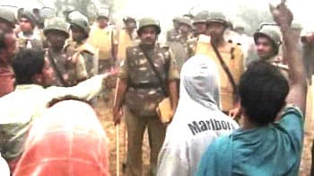 Video : Tension at Posco site, protesters clash with cops
