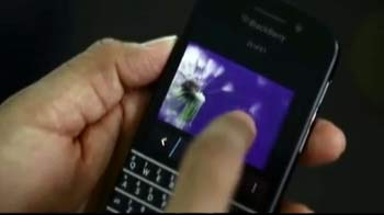 Video : BlackBerry reaches out to QWERTY lovers with Q10