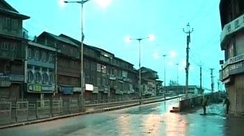 Video : Kashmir: Day 7 of curfew, Valley on alert