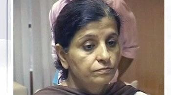 Videos : गीतिका की मां ने भी कर ली खुदकुशी