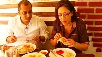 Video : Aneesha's day out with the food bloggers