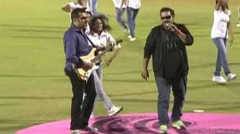 Video : Shankar and Ehsaan sing UCC anthem at Opening Ceremony