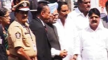 Videos : पीएम ने हैदराबाद में धमाके के स्थलों का किया दौरा