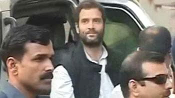 Video : Rahul Gandhi's rush hour entry in Mumbai slammed on Twitter