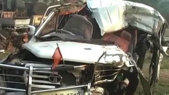 Video : School bus collides with truck near Jalandhar, 11 children killed