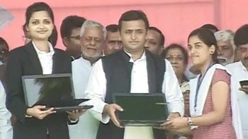 Video : Akhilesh's free laptops for students come with stickers of Mulayam