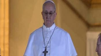 Video : Cardinal Jorge Bergoglio from Argentina elected new Pope