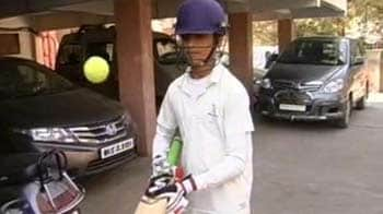 Video : Cricket in reel and real life