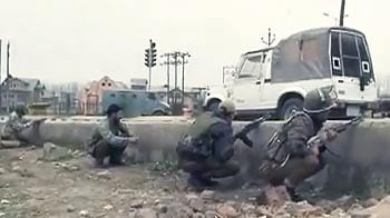 Video : सीआरपीएफ कैंप पर हमले में शामिल संदिग्ध आतंकी गिरफ्तार : सूत्र