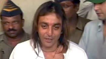 Video : संजय दत्त बोले, फैसले के बाद से काफी दुखी हूं
