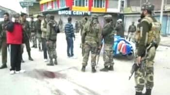 Video : Militants attack cops in J&K, one civilian killed