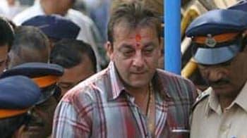 Video : Shiv Sena reverses stand on Sanjay Dutt