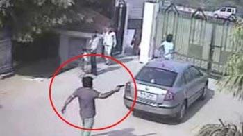 Video : Cops release CCTV footage of men who allegedly shot BSP leader